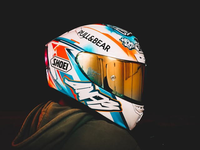 """Vega Summit 3.1 2-Tone Modular Full Face Helmet Review – a Candy Red and Silver """"State-of-The-Art"""" Ladies Motorcycle Helmet – windsor motors"""